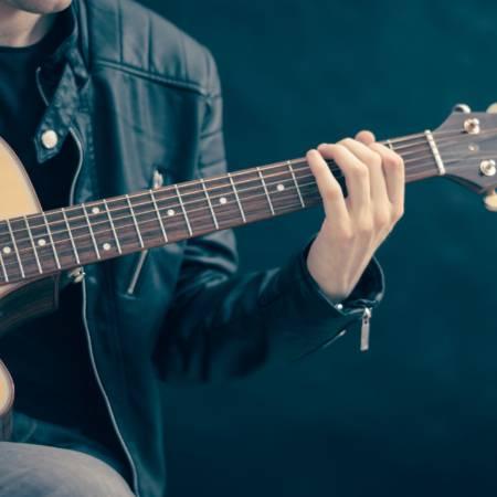 guitar-classical-guitar-acoustic-guitar-electric-guitar